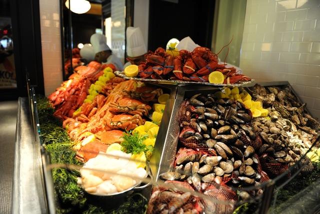 la societe opening seafood bar toronto